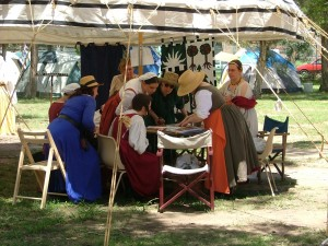 Dame Yolande's Flemish Dress Class at Stowe Faire